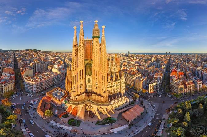 gaud-private-tour-with-skip-the-line-sagrada-familia-entry-in-in-barcelona-388183